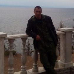 Девственник ищет ухоженную девушку в Костроме для секса